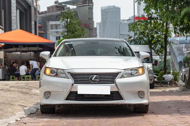 6 năm chạy chưa tới 20.000km, Lexus ES350 hạ giá chỉ 1,6 tỷ đồng - Ảnh 1.