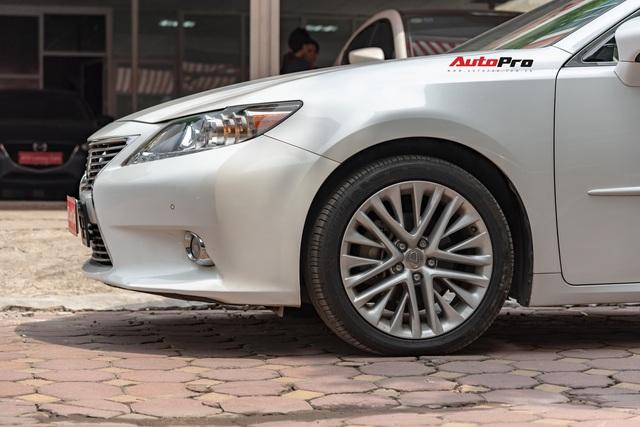 6 năm chạy chưa tới 20.000km, Lexus ES350 hạ giá chỉ 1,6 tỷ đồng - Ảnh 3.