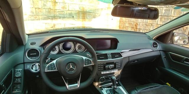Độ vô-lăng model 2019, vành model 2017, Mercedes-Benz C200 2012 rao bán hơn 700 triệu đồng - Ảnh 3.