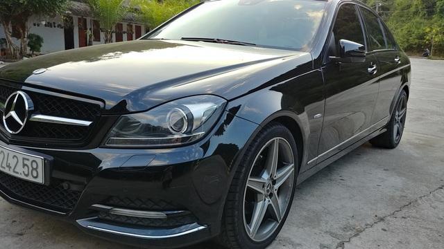 Độ vô-lăng model 2019, vành model 2017, Mercedes-Benz C200 2012 rao bán hơn 700 triệu đồng - Ảnh 2.