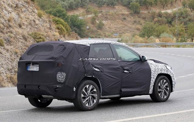 Hyundai Tucson mới tiếp tục lộ mặt: Có chi tiết như xe Mercedes - Ảnh 3.