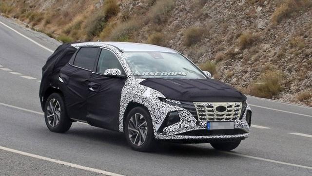 Hyundai Tucson mới tiếp tục lộ mặt: Có chi tiết như xe Mercedes