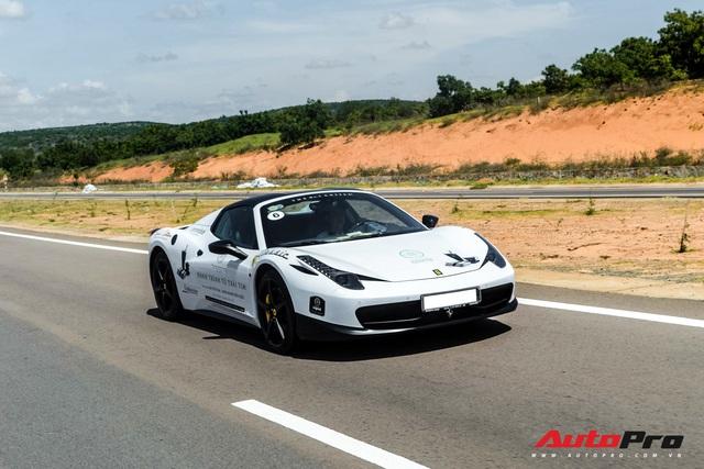 Ông chủ cà phê Trung Nguyên đưa 1/3 bộ sưu tập Ferrari với toàn hàng độc tham dự khai trương showroom chính hãng - Ảnh 2.