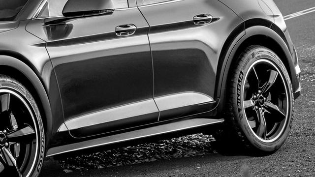 Ford Mustang phiên bản SUV chạy điện lần đầu được tạo hình với nhiều tranh cãi - Ảnh 4.