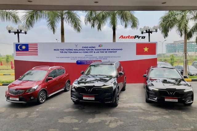 Thủ tướng Malaysia lái thử VinFast Lux SA2.0: Xe đẹp, khoẻ nhưng tiếc chưa được lái với tốc độ cao hơn 100km/h - Ảnh 1.