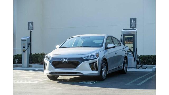 Mọi dòng xe Hyundai/Kia sẽ trang bị xe điện gập gọn: Đỗ xe xa 10km không lo phải đi bộ - Ảnh 2.