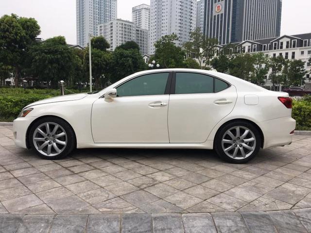 Chạy 10 năm, Lexus IS 250 vẫn có giá ngang Toyota Altis 2019 - Ảnh 4.