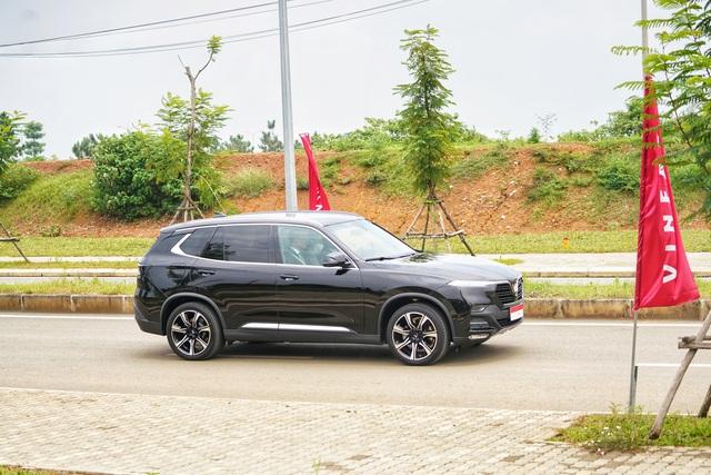 [Video] 1 vòng lái thử VinFast Lux SA2.0 của Thủ tướng Malaysia: 10 phút quý giá của hãng xe Việt - Ảnh 4.