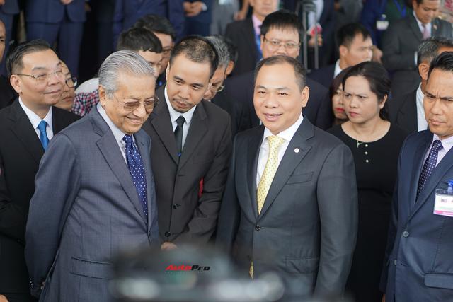 [Video] 1 vòng lái thử VinFast Lux SA2.0 của Thủ tướng Malaysia: 10 phút quý giá của hãng xe Việt - Ảnh 3.