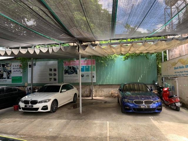 BMW 330i M Sport gần 2,4 tỷ đồng chưa đủ thoả mãn, chủ xe vừa lấy khỏi showroom đã nâng cấp loạt 'đồ chơi' hàng hiệu - Ảnh 1.