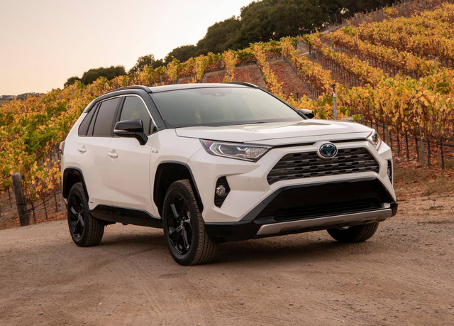 Toyota sắp có Ciaz, Ertiga riêng nhờ bắt tay Suzuki - Ảnh 1.