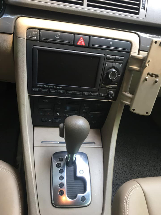Audi A4 14 năm tuổi được rao bán rẻ hơn cả Toyota Wigo đập hộp - Ảnh 8.