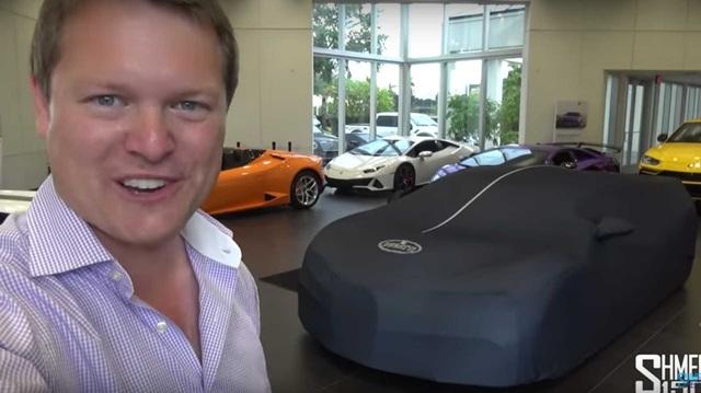 Quy trình bàn giao siêu xe Bugatti Chiron Sport ra sao để xứng với mức giá 3,4 triệu USD?