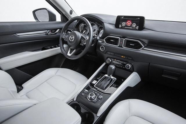 Mazda CX-5 đối đầu Honda CR-V: Chọn công nghệ, tiện nghi hay thực dụng? - Ảnh 4.