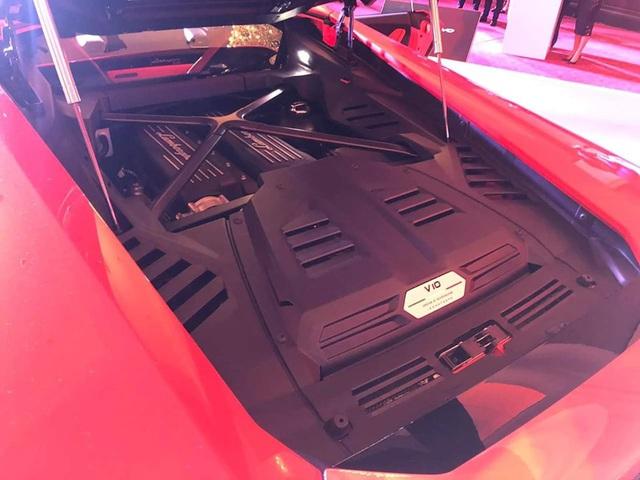 Lamborghini Huracan EVO chính hãng chào hàng đại gia Campuchia - Ảnh 3.