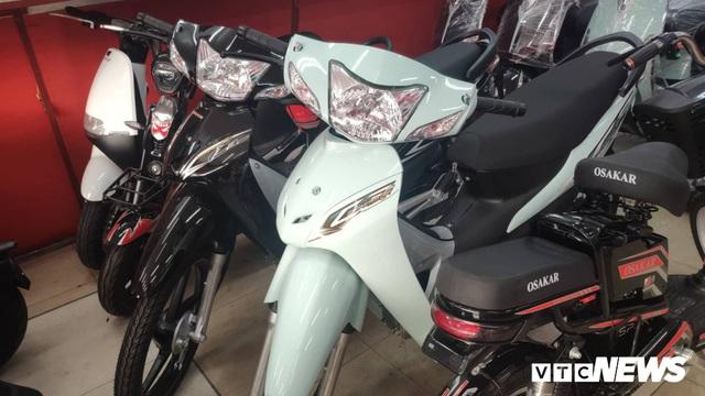Hàng loạt mẫu xe máy Honda bị nhái kiểu dáng, giá bán rẻ bằng một nửa - Ảnh 1.