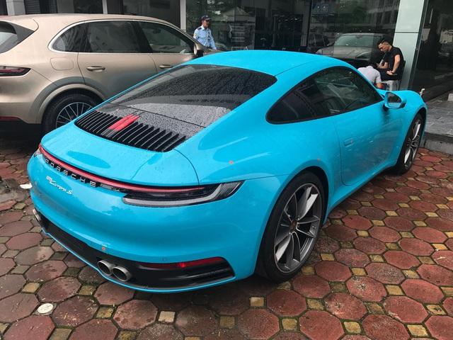 Porsche 911 Carrera S thế hệ mới nhất về đại lý với giá từ 7,61 tỷ cùng gói tuỳ chọn hàng trăm triệu đồng - Ảnh 2.