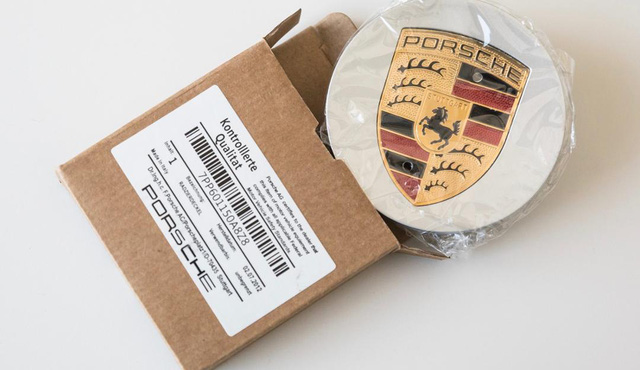 Tìm hiểu số đồ fake được Porsche tịch thu trong năm qua, không ít dị tới mức làm người khác giật mình - Ảnh 2.