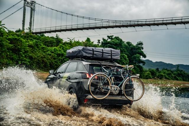 Peugeot 3008 chinh phục đường mòn Hồ Chí Minh - Hình ảnh chất như nước cất từ báo Anh - Ảnh 4.