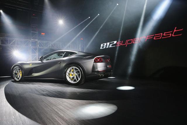 Thách đố fan Ferrari: Đâu là 2 siêu ngựa đang bán chạy nhất? - Ảnh 2.