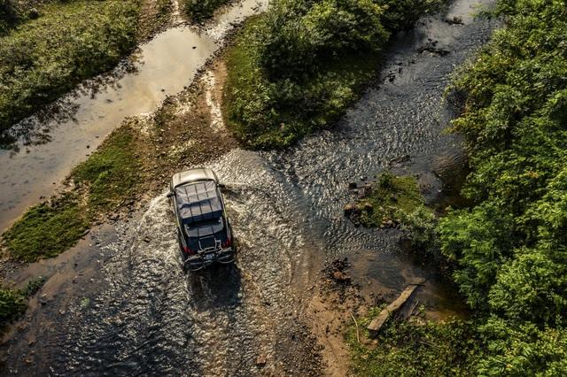 Peugeot 3008 chinh phục đường mòn Hồ Chí Minh - Hình ảnh chất như nước cất từ báo Anh - Ảnh 6.