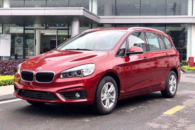 BMW 3-Series mới cận kề ngày ra mắt, người mua mẫu cũ được tặng hơn 200 triệu đồng - Ảnh 3.