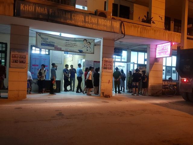Hà Nội: Bé trai lớp 1 bị bỏ quên trên xe đưa đón học sinh tử vong thương tâm - Ảnh 2.