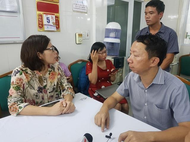 Hà Nội: Bé trai lớp 1 bị bỏ quên trên xe đưa đón học sinh tử vong thương tâm - Ảnh 4.