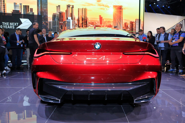 Tưởng chỉ có ảnh chế, ai ngờ BMW ra mắt xe có tản nhiệt to quá đà như thế này - Ảnh 6.