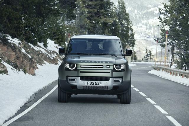 Land Rover Defender chính thức trở lại: Mối nguy thực sự cho Mercedes-Benz G-Class - Ảnh 3.