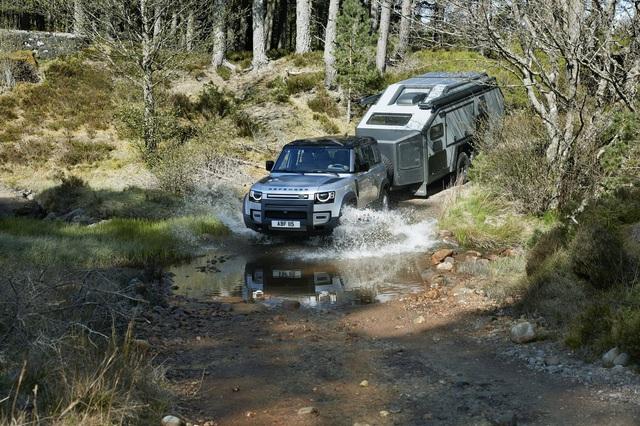 Land Rover Defender chính thức trở lại: Mối nguy thực sự cho Mercedes-Benz G-Class - Ảnh 14.