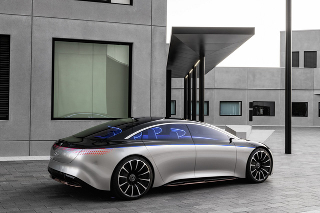 Mercedes-Benz thử thách giới hạn tốc độ S-Class mới, thách thức BMW 7-Series - Ảnh 2.