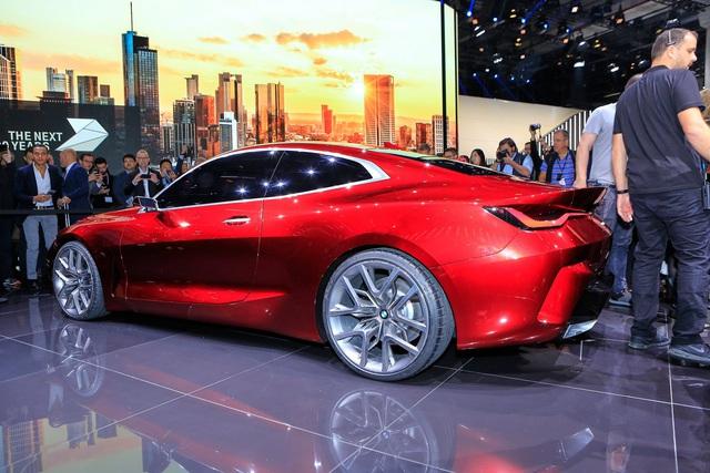 Tưởng chỉ có ảnh chế, ai ngờ BMW ra mắt xe có tản nhiệt to quá đà như thế này - Ảnh 2.