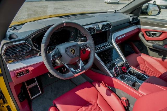 Lamborghini Urus chính hãng thứ 3 về Việt Nam sau chiếc của Minh 'Nhựa' với màu dễ gây hiểu lầm - Ảnh 9.
