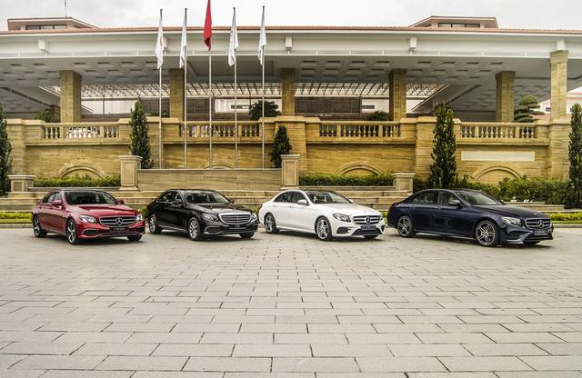Mercedes-Benz E 300 AMG quay lại Việt Nam, giá hơn 2,8 tỷ đồng - Ảnh 4.