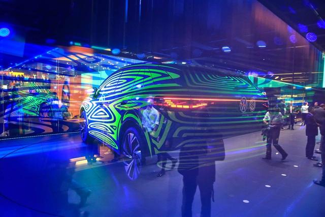 Volkswagen tiếp tục trình làng SUV điện đấu Tesla Model X và Mercedes EQC - Ảnh 2.