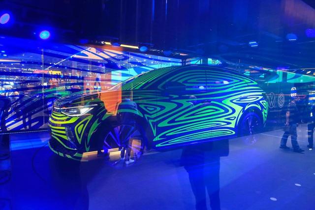 Volkswagen tiếp tục trình làng SUV điện đấu Tesla Model X và Mercedes EQC - Ảnh 1.
