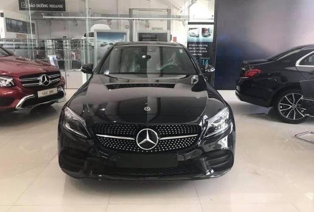 Sau 1.000 km, Mercedes-Benz C300 AMG 2019 được rao bán với quảng cáo: Giá siêu yêu - Ảnh 1.