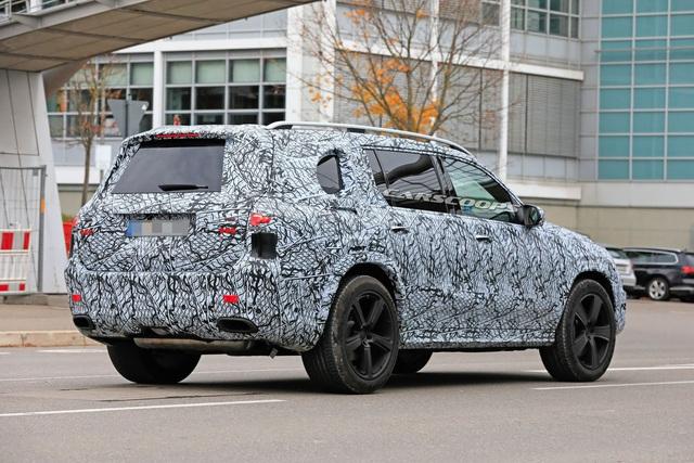 Phiên bản Maybach gầm cao sẽ được Mercedes-Benz cho ra mắt trong năm nay - Ảnh 1.