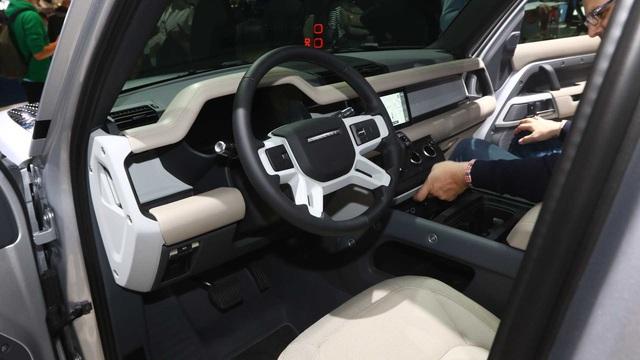 Mercedes X-Class thất bại, đẩy Land Rover từ bỏ sản xuất Defender bán tải - Ảnh 3.