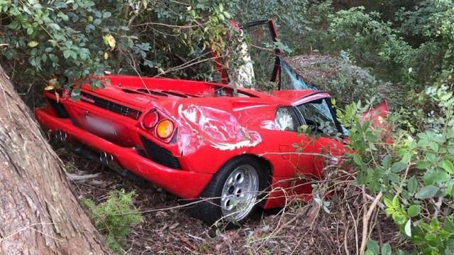 Đừng mua Lamborghini cổ nếu không muốn 'rước họa vào thân'