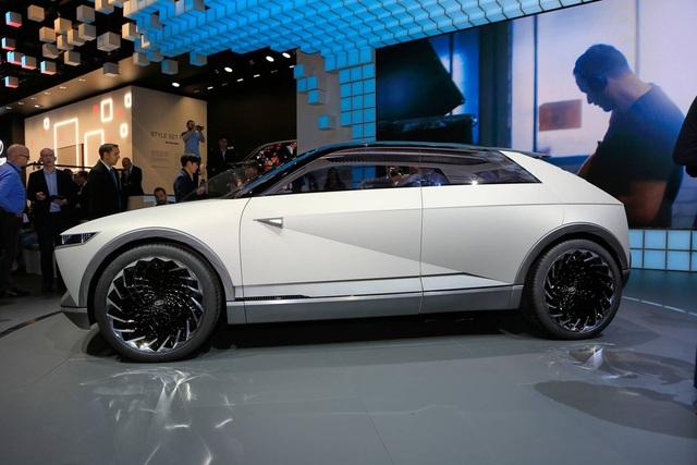 Hyundai 45 - Đàn anh Kona chạy điện với thiết kế đầu siêu dị đã lăn bánh trên đường, hứa hẹn ngày ra mắt không còn xa - Ảnh 2.