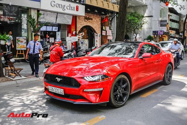 Sau 1 năm ra biển, đại gia Lâm Đồng bán lại Ford Mustang rẻ ngang Mercedes-Benz E-Class thế hệ mới - Ảnh 1.