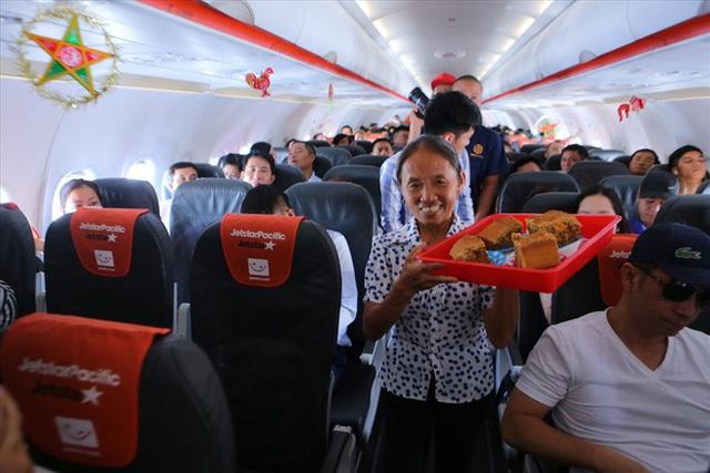 """Tranh cãi việc bà Tân Vlog đưa bánh Trung thu """"siêu to"""" lên máy bay Jetstar - Ảnh 4."""