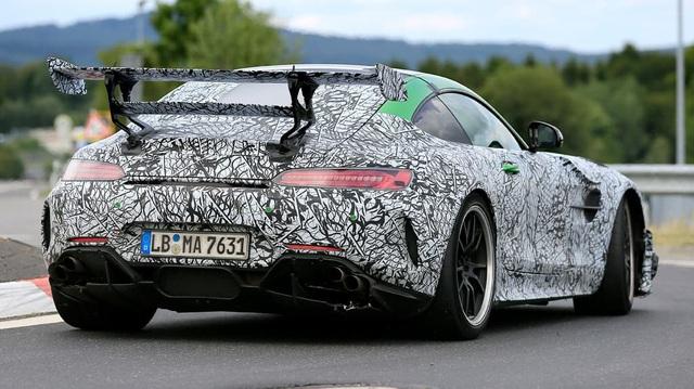 Mercedes-AMG GT Black Series lộ cánh gió 'khủng', hứa hẹn mạnh hơn 700 mã lực