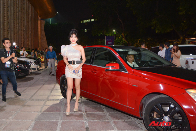 Sao Việt cùng dàn xế 'khủng' tham dự sự kiện ra mắt mạng xã hội Lotus - Ảnh 4.