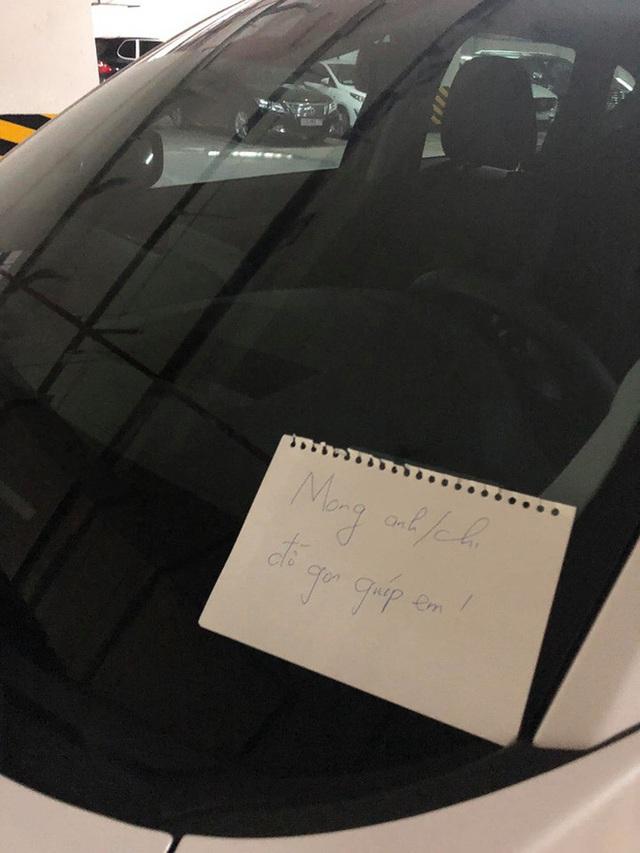Để lại giấy nhắc tài xế đỗ xe đúng chỗ, người đàn ông nhận lời đáp trả không ngờ sau một ngày - Ảnh 1.