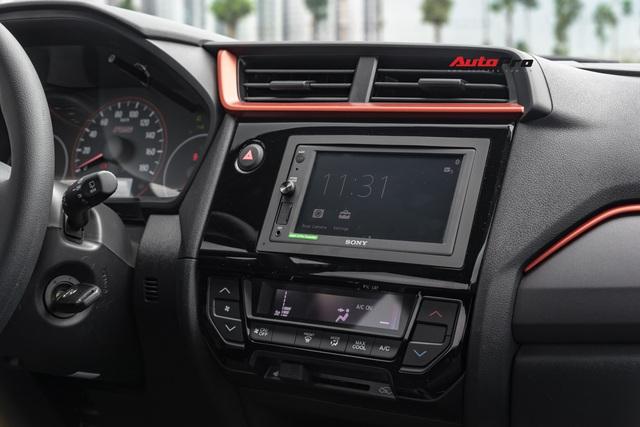 Một ngày sống trọn với Honda Brio: Phát hiện 10 điều cần biết trước khi mua, nhược điểm thứ 2 gây tranh cãi - Ảnh 11.