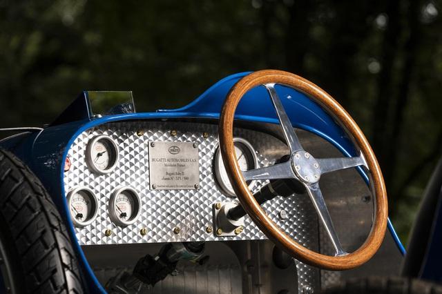 Xe đồ chơi của Bugatti vẫn bán cháy hàng dù đắt ngang một chiếc Honda Civic Type R đời mới - Ảnh 6.