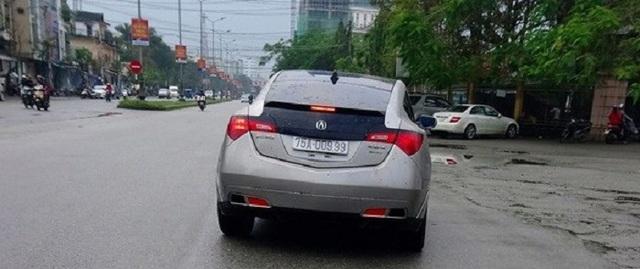 Ảnh: Cận cảnh những chiếc xe sang đeo biển số VIP ở Huế - Ảnh 11.